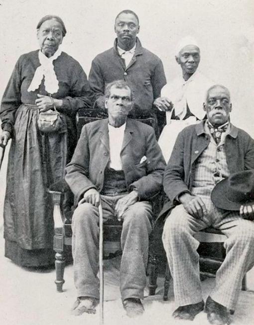 Life as a House Slave - Slave life:Field vs House